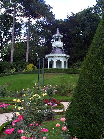 Le jardin de bagatelle for Bagatelle jardin paris